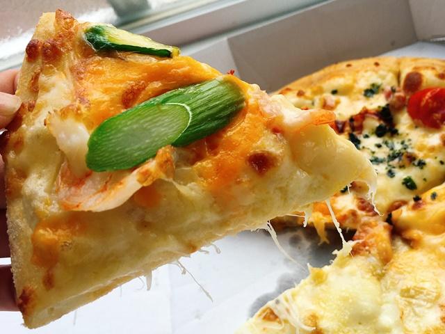 ドミノピザ ミモレットチーズとシュリンプ