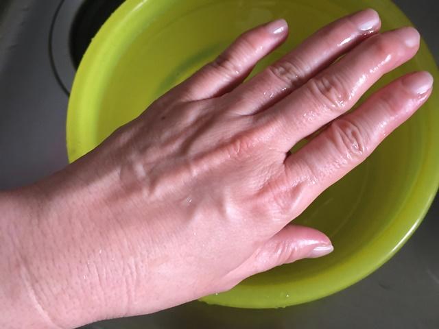50度洗い 手が赤くなるまで